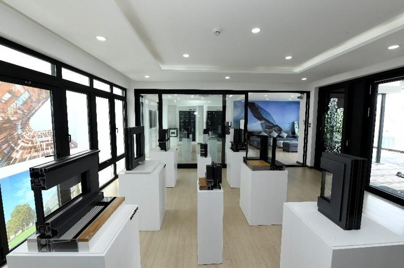 showroom vietnam image