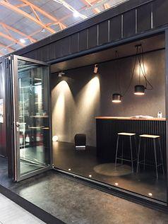 Popup-showroom_med_åpen_foldedør