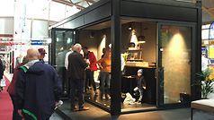Popup-showroom_med_publikum